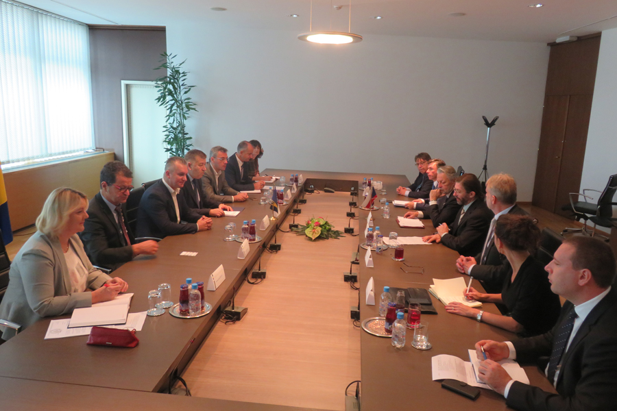 Members of the Committee for Foreign and Trade Policy, Customs, Traffic and Communications talked with the members of the Delegation of the Committee on Foreign Affairs, Defence and Security of the Senate of the Czech Republic