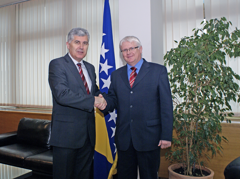 The Speaker of the House of Peoples of the Parliamentary Assembly of Bosnia and Herzegovina, Dragan Čović, spoke with the Ambassador of Hungary